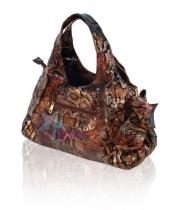 Женские сумки.  Женская коричневая сумка в виде змеиной кожи.  Каталог.